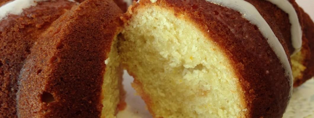 Bundt cake de naranja almendra y yogur